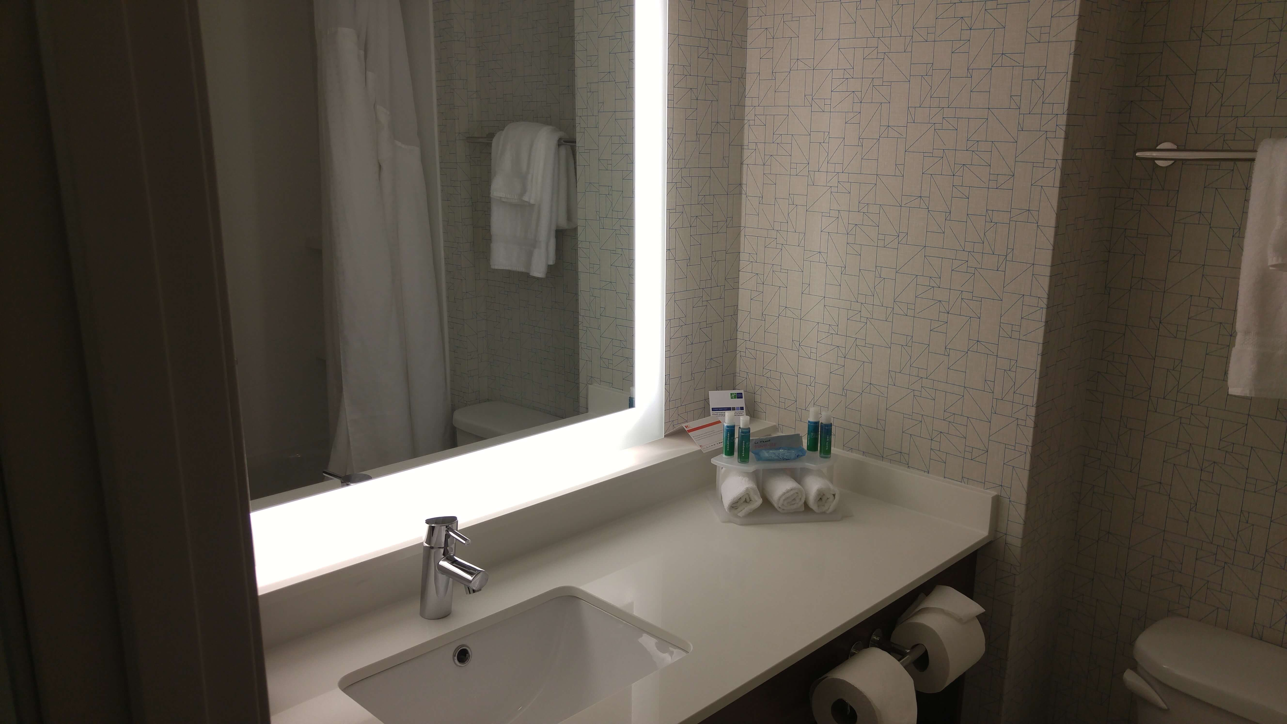 Holiday Inn Bathroom Bathroom Design Ideas