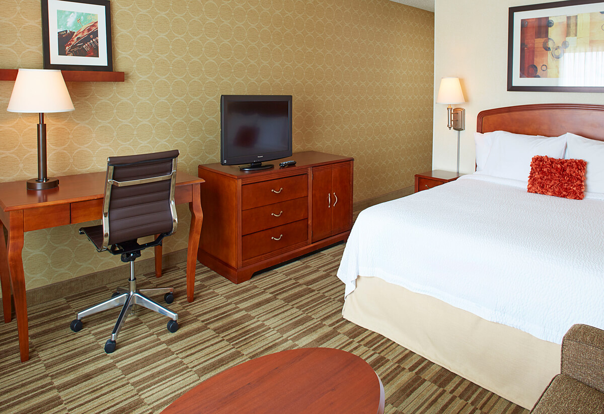Courtyard by Marriott Guest Room Roseville, MN