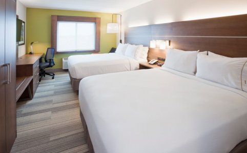 Holiday Inn Express double queen room Roseville, MN
