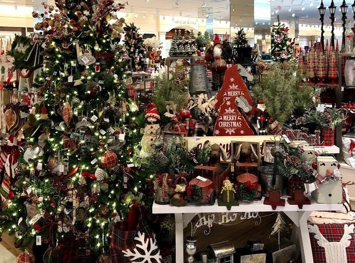 Christmas decor at Rosedale mall